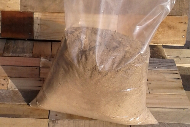 Wood Dust for Animals or Spills Cleanup 10 lb Bag